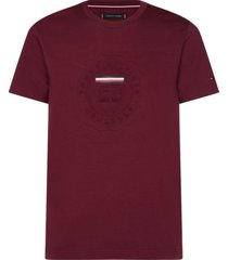 t-shirt manga corta rojo vino tommy hilfiger