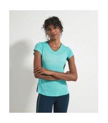 camiseta esportiva fit energy com recortes contrastantes   get over   azul   m