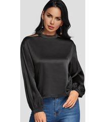 blusa de manga larga con cuello redondo y corte negro