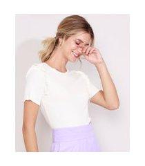 blusa feminina canelada manga curta com babados decote redondo off white