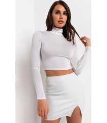 akira runaway turtle neck crop top