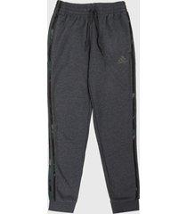 pantalón gris-verde-café adidas performance essentials camuflaje