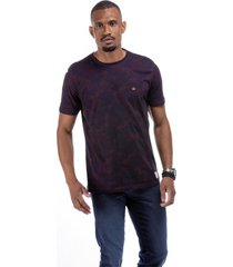 t-shirt masculina lineas