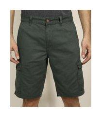 bermuda de sarja masculina cargo com bolsos verde escuro