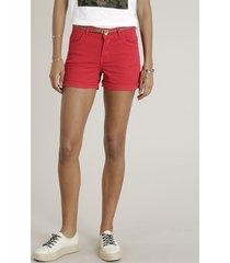 short de sarja feminino reto com cinto trançado vermelho
