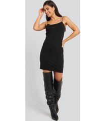 na-kd party assymetric spaghetti strap dress - black
