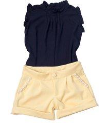 shorts liminha doce amarelo e blusa preta