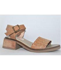 sandalia de cuero suela enygmatis