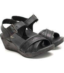 sandalia de cuero negro valentia calzados brenda yamila