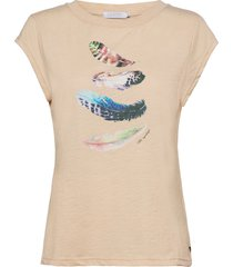 t-shirt w. feather print t-shirts & tops short-sleeved vit coster copenhagen