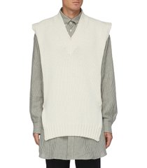 v-neck knitted vest