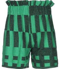 viki-and shorts