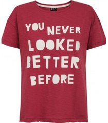 t-shirt antique red
