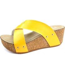 sandalia como amarillo chalada