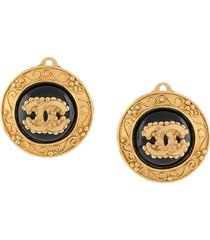 chanel pre-owned 1996 embossed cc button clip-on earrings - gold