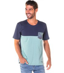 camiseta masculina boton㪠menta c/ marinho e bolso frontal - area verde - multicolorido - masculino - dafiti