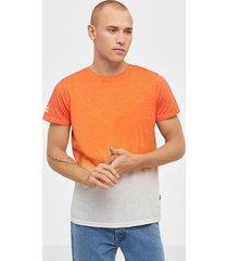 solid janus ss t-shirt t-shirts & linnen flame