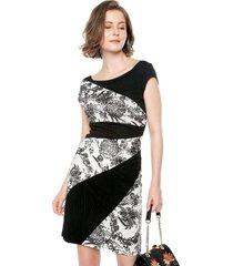 vestido blanco-negro desigual