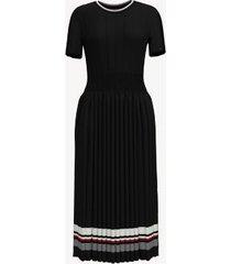 tommy hilfiger women's essential short-sleeve pleated dress deep black - xs