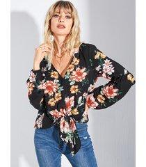 blusa con cuello en v y estampado floral al azar yoins