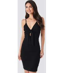 na-kd party tie front ribbed midi dress - black