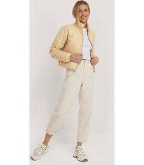 misslisibell x na-kd shiny padded jacket - beige