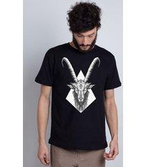 camiseta goat tattoo