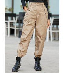 pantalones con bolsillos laterales con diseño de cadena informal yoins