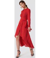 na-kd tie detail asymmetric dress - red