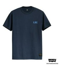 camiseta levis man skateboarding graphic