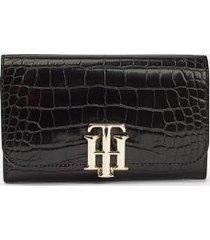 tommy hilfiger women's croc-embossed wallet black croc -