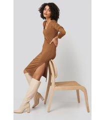 trendyol side slit textured knitted midi dress - brown