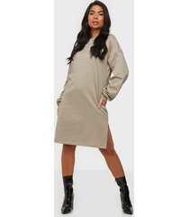 nly trend perfect slit sweat dress loose fit dresses