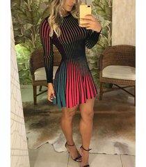 multi color stripe redondo cuello plisado vestido