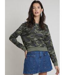 blusão feminino cropped estampado camuflado em moletom verde militar