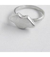 usta pierścionek