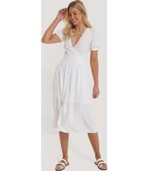 na-kd boho viskosklänning med plisserad midja - white