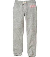 buzo jogger logo liso gris gap