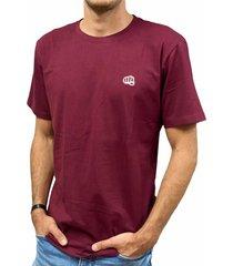 camiseta básica small logo vinotinto  fist hombre