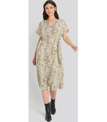 trendyol button snake long dress - beige