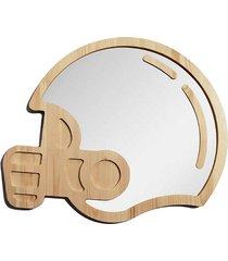 duże drewniane lustro kask sportowca