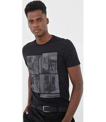 camiseta calvin klein jeans estampada preta