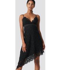 na-kd party asymmetric mini lace dress - black