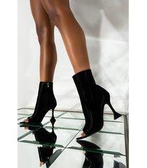 akira azalea wang cant handle this heat stiletto bootie in black