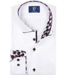r2 shirt wit met patroon in boord