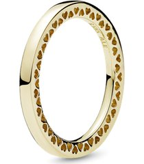 anel clássico corações pandora de ouro