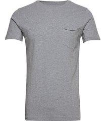 alder basic chest pocket tee - gots t-shirts short-sleeved grå knowledge cotton apparel