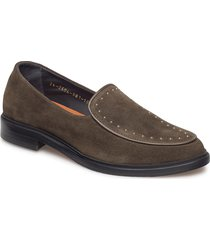 border rivet loafer suede loafers låga skor brun royal republiq