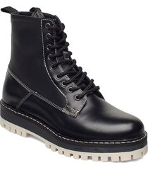 stb-lawrie combat l shoes boots ankle boots ankle boot - flat svart shoe the bear