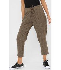 pantalón marrón etam